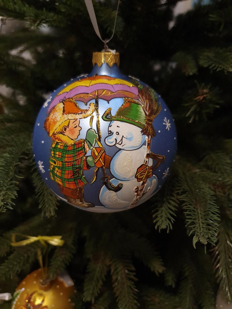 """Стеклянный шар """" Мальчик со снеговиком"""""""
