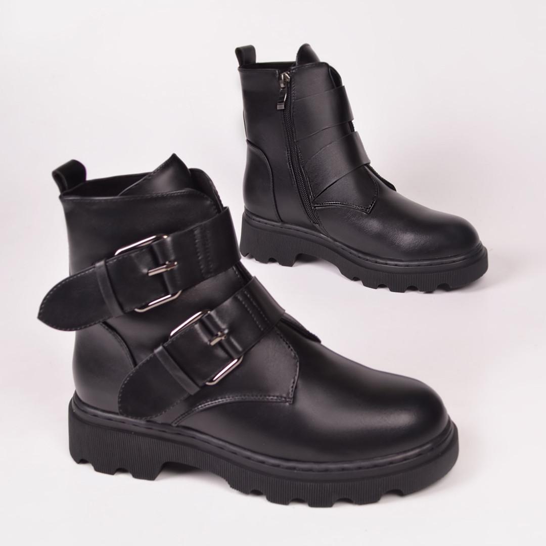 Женские ботинки черные с мехом