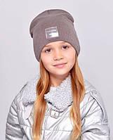 Дитяча шапочка подвійна тканина, прикрашена пришивной фурнітурою. како