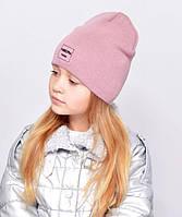 Дитяча шапочка подвійна тканина, прикрашена пришивной фурнітурою. пыльн.троянда