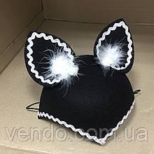Шляпка Кошка с пухом и тесьмой черная, фетровая
