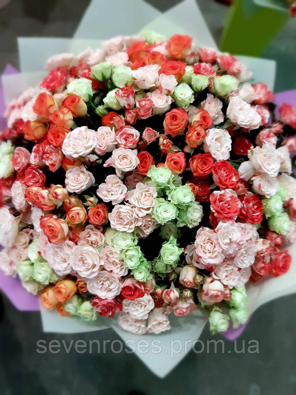 Букет из 51кустовой розы 60см