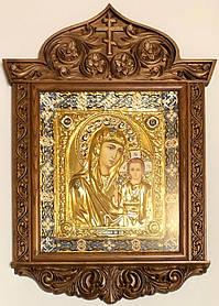 Казанська ікона М. Б. в різьбленому кіоті риза №1 (35х48)