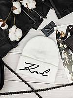Белая шапка в стиле Karl Lagerfeld Карл Лагерфельд