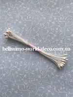 Тычинки тайские, белые на белой нитке, удлиненные, каплевидные