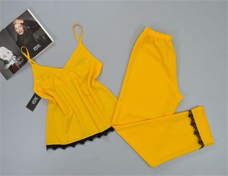 Пижама женская майка и штаны с кружевом Este желтая.