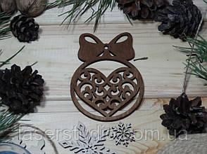 Дерев'яна ноговодняя іграшка Тонована Сердечко з Бантиком №50-1