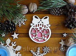 Дерев'яна яна Новорічна іграшка Дзвіночки з Бантиком №49 з Рожевим фоном