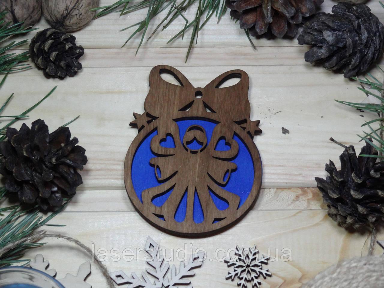 Деревянное елочное украшение Тонированное Ангел №53 с Бантиком с Синим фоном