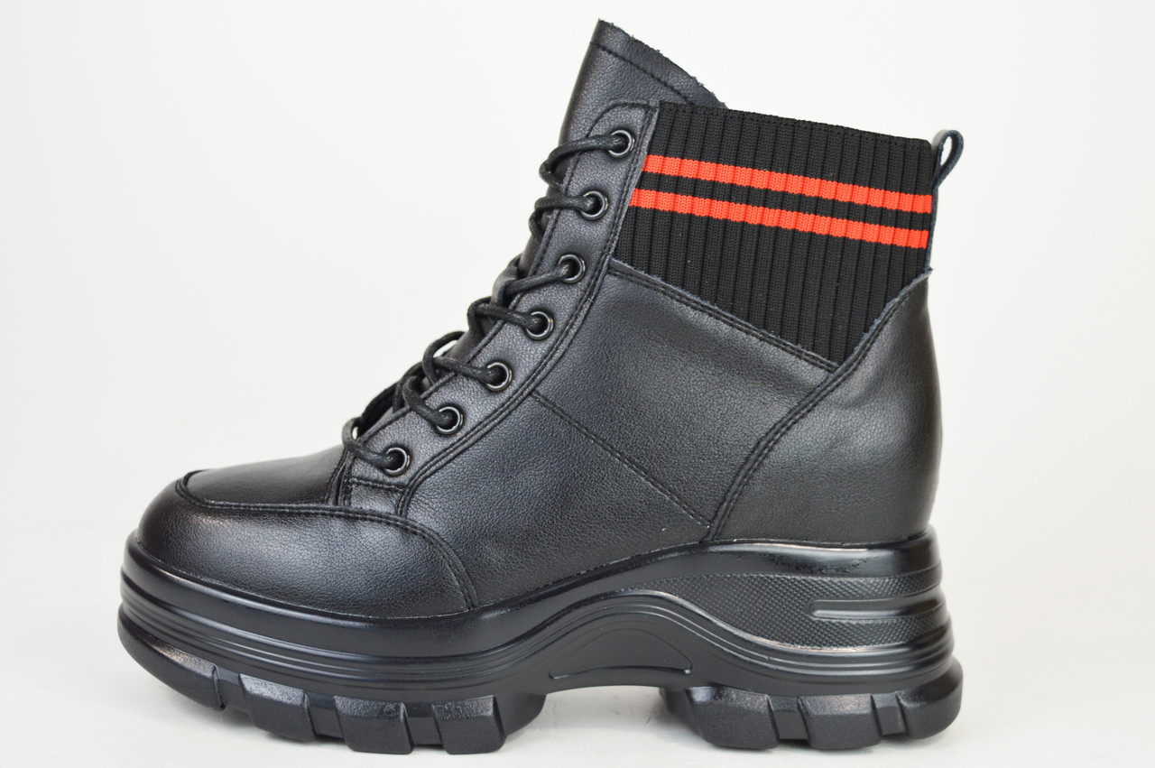 Ботинки кожанаые V.I.konty 9758 черные байка 39