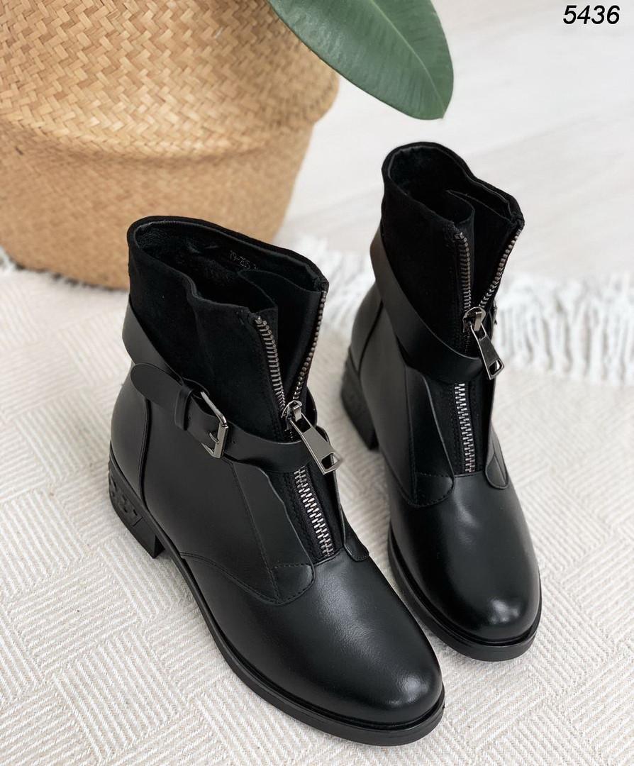 Зимние ботинки  женские на каблуке спереди молния