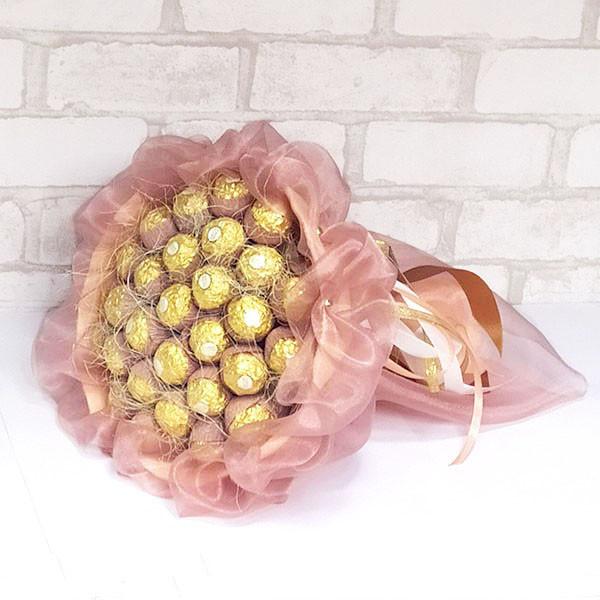 Букет из конфет Ферреро роше 29 персиковый