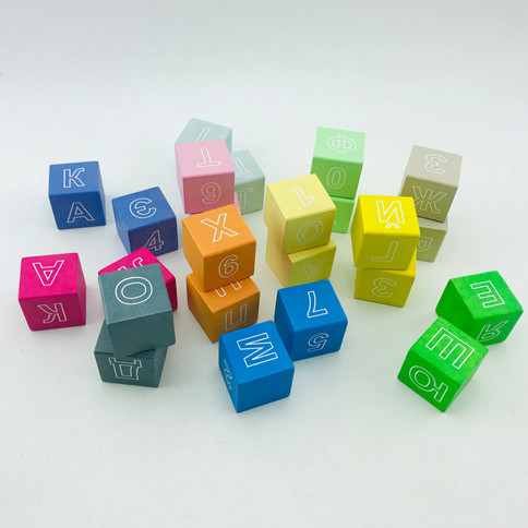Кубики ДЕРЕВО ВІННІ дерев'яні кольорові з літерами 24шт у картонній коробці ВП 022/2