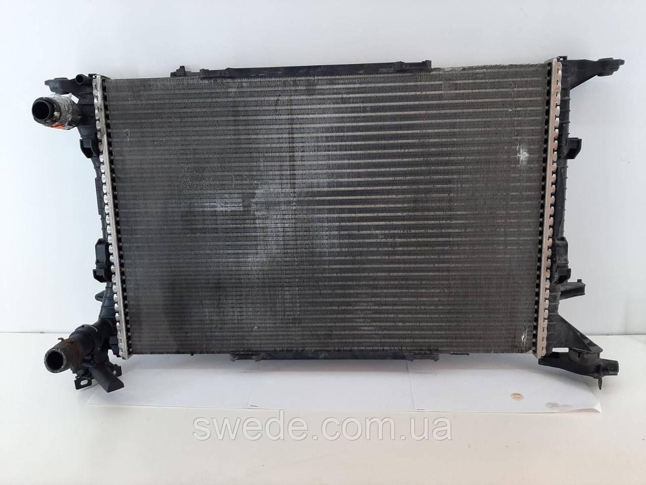 Радиатор Audi A4 A5 A6 2007-2015 гг 8K0121251R