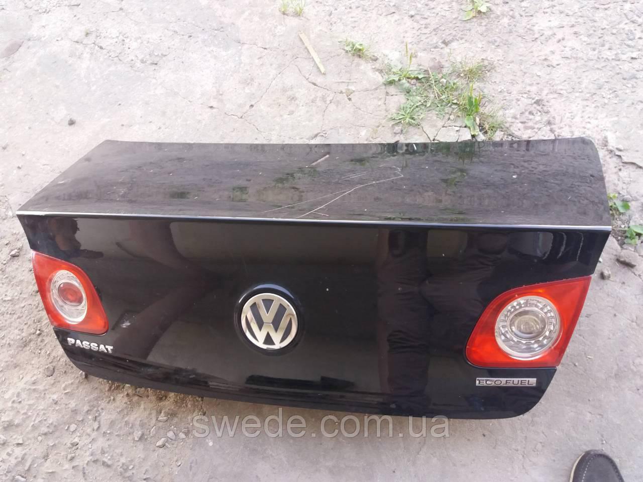 Крышка багажника Volkswagen Passat B6 2005-2010 гг 3C5827025H