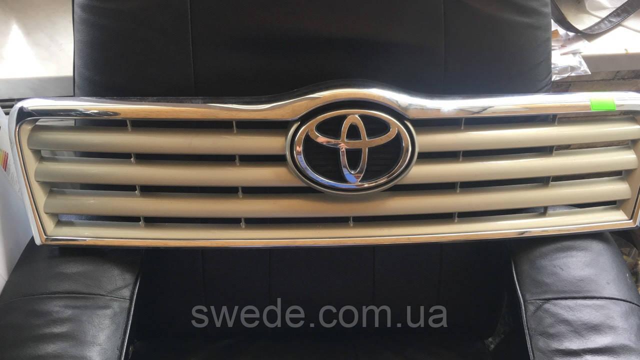 Решетка Toyota Avensis 2006-2008 гг 531140D060
