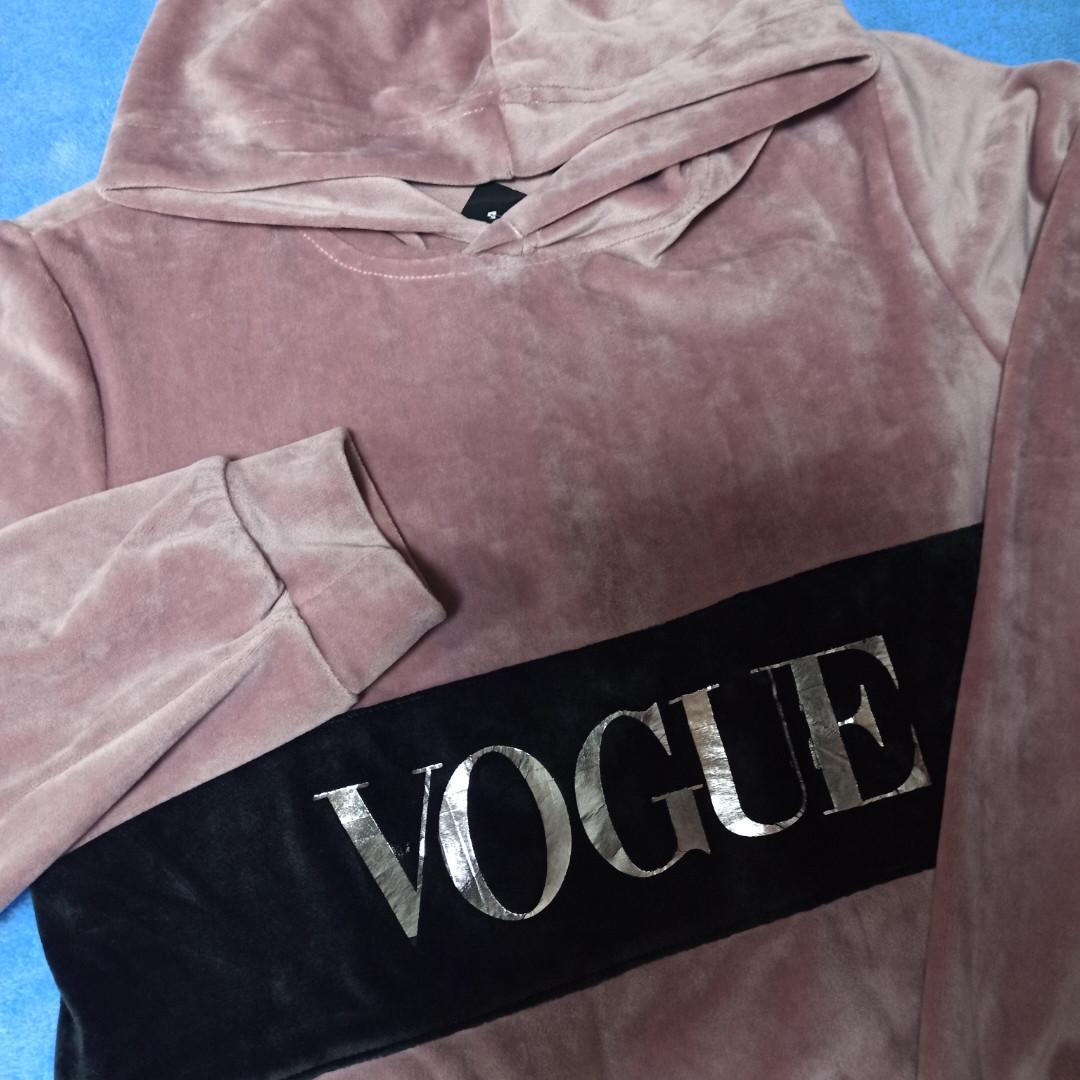 Худи модное нарядное для девочки.  Ткань- велюр.Очень нарядное и красивое.
