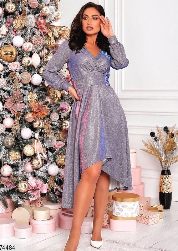 Женское блестящее нарядное платье со шлейфом полубутал серебро