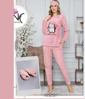 Женская теплая пижама и домашние меховые тапочки Wonderful duet