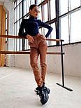 Женские брюки из эко-кожи утепленные на велюре с ремнем, фото 2