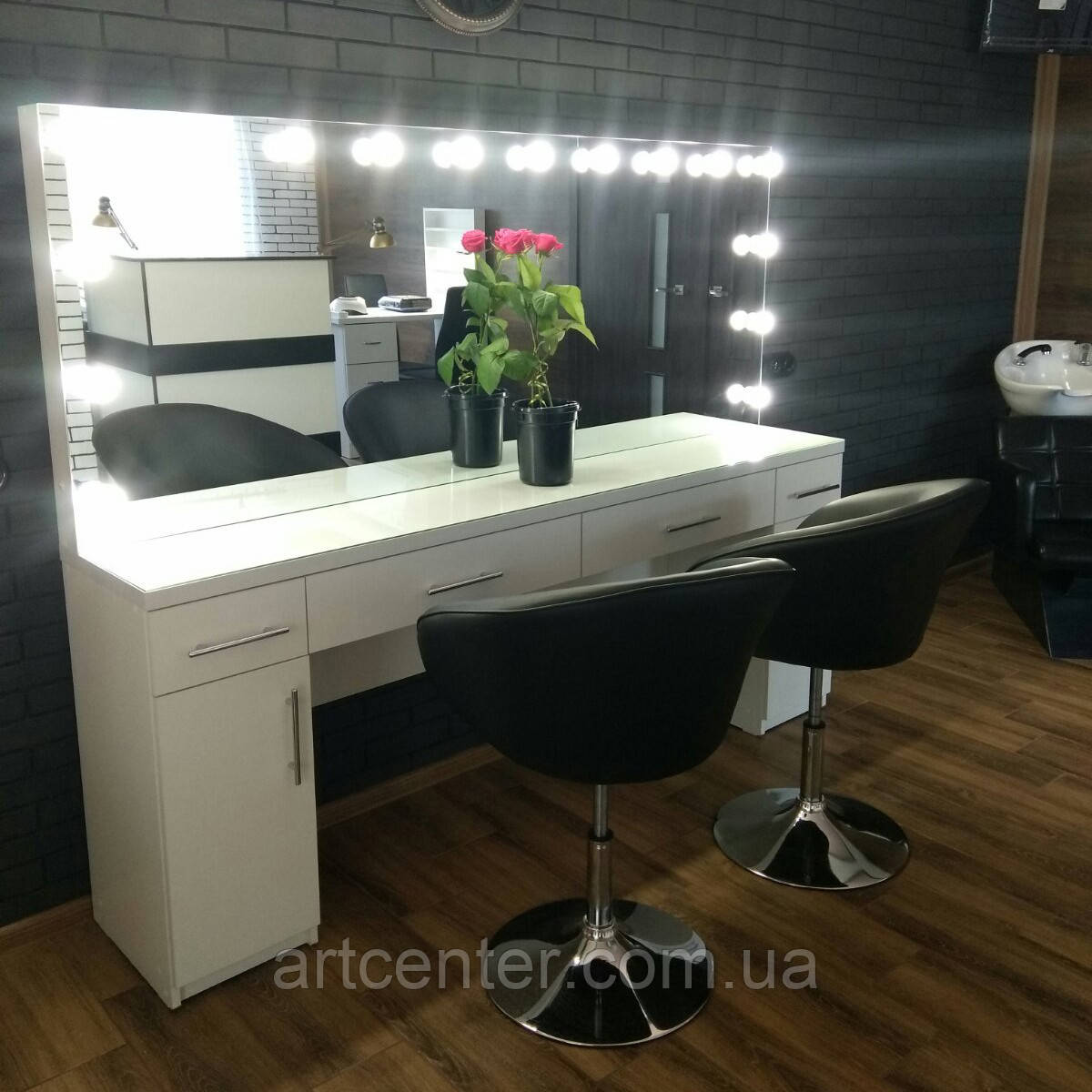 Стол с зеркалом для визажиста, туалетный столик, стол визажный