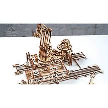 Маніпулятор на рейках UGears (356 деталей) - механічний дерев'яний 3D пазл конструктор, фото 3