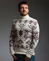 Мужской теплый белый свитер с оленями с подвернутой горловиной