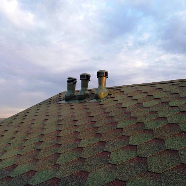 Дефлектор  для естественной вентиляции загородного дома.