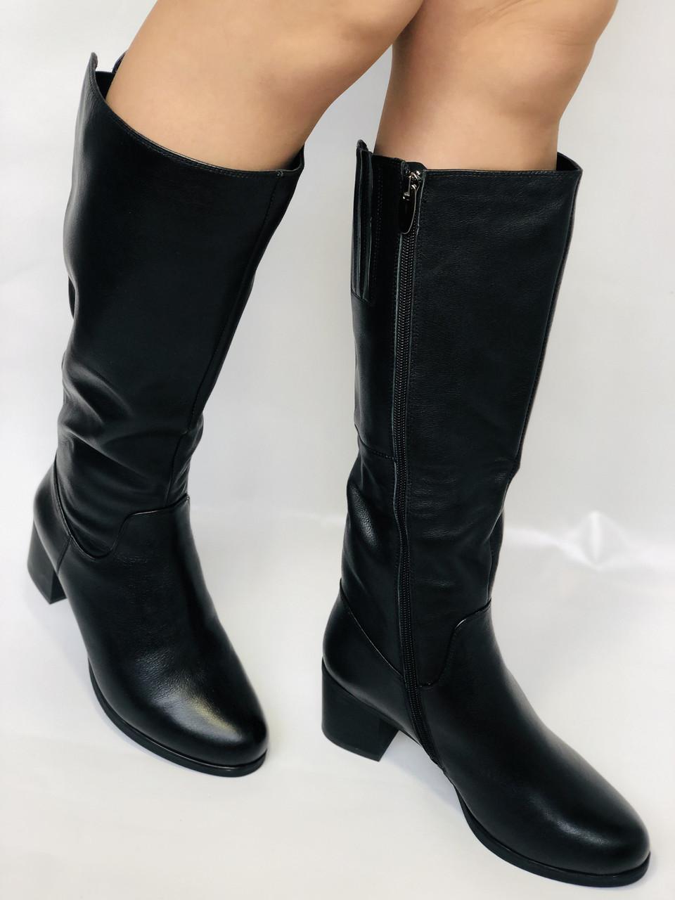 Polann.Зимові чоботи на натуральному хутрі, на середньому каблуці з натуральної шкіри. Р. 38. 39