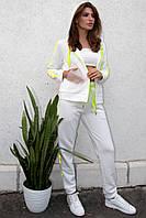 Спортивный костюм женский молочного цвета