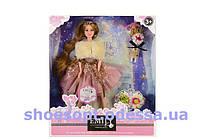 Кукла  Emily в вечернем платье и меховой накидке