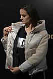 Куртка женская теплая, модная с плюшевыми вставками и капюшоном, фото 4