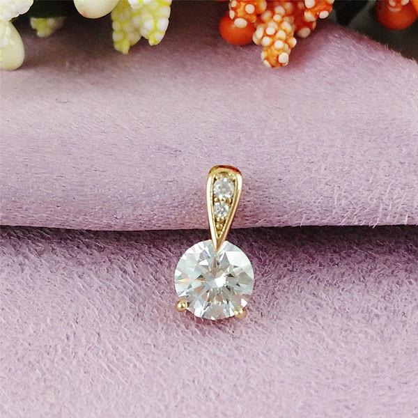 Кулон Xuping Jewelry белый медицинское золото позолота 18К А/В 5-0099