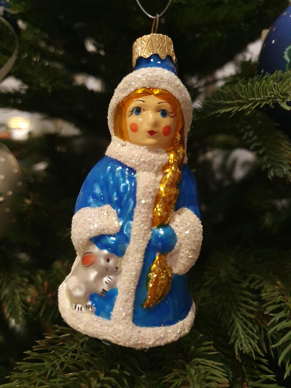 Стеклянная елочная игрушка Снегурочка