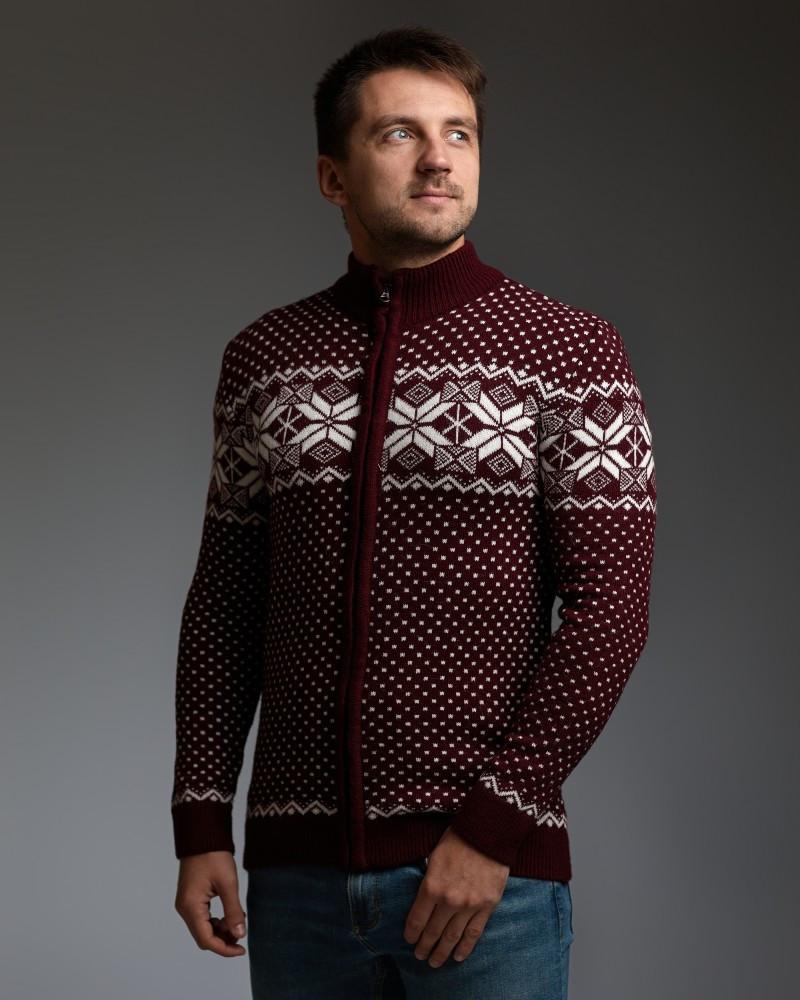 Бордовый мужской свитер на молнии с классическим орнаментом