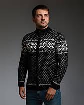 Черный мужской свитер на молнии с классическим орнаментом
