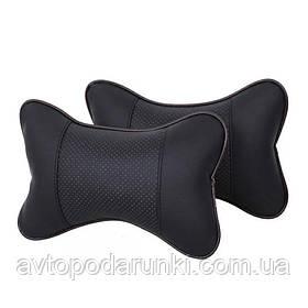 Подушка на подголовник в автомобиль (эко-кожа,  черная с перфорацией)
