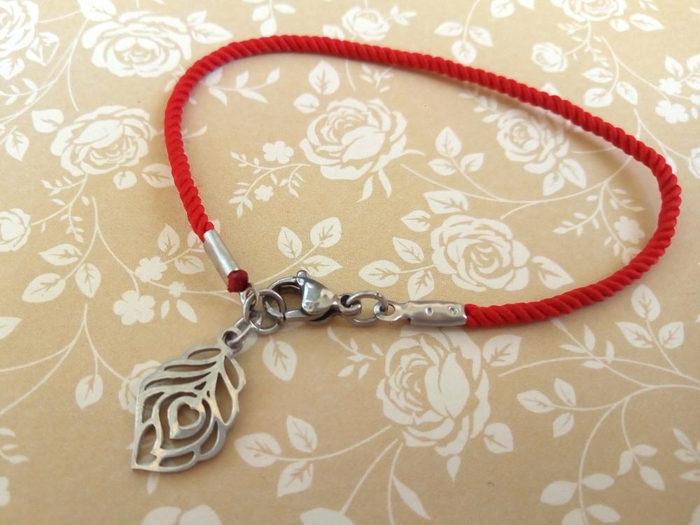 Защитный шелковый красный браслет Перо павлина