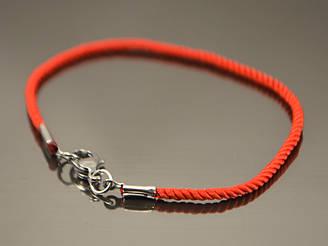 Красный шелковый браслет от сглаза