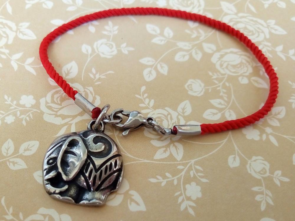 Червоний захисний шовковий браслет Слон
