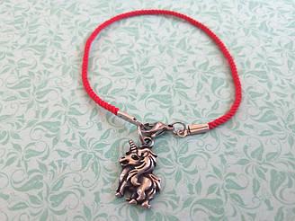 Единорог- красный защитный шелковый браслет