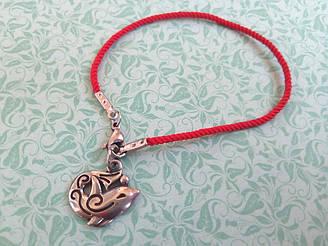Дельфин - красный защитный шелковый браслет