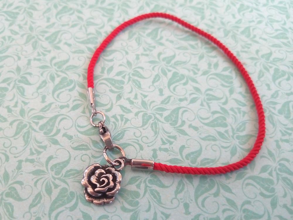 Троянда - червоний захисний шовковий браслет