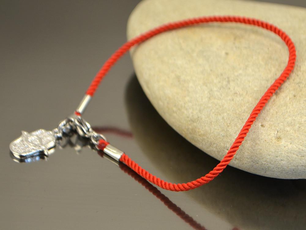Хамса  - шелковый красный браслет от сглаза