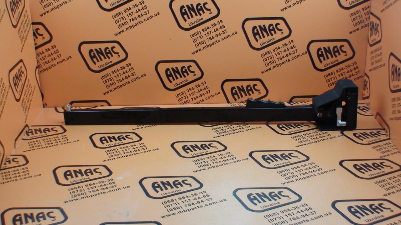 123/02450 Ручка двери внутренняя на JCB 3CX, 4CX