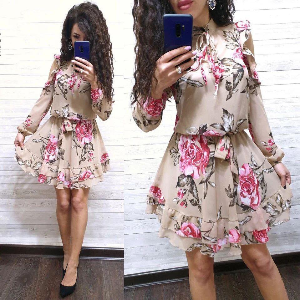 Воздушное платье с поясом и розами длинный рукав