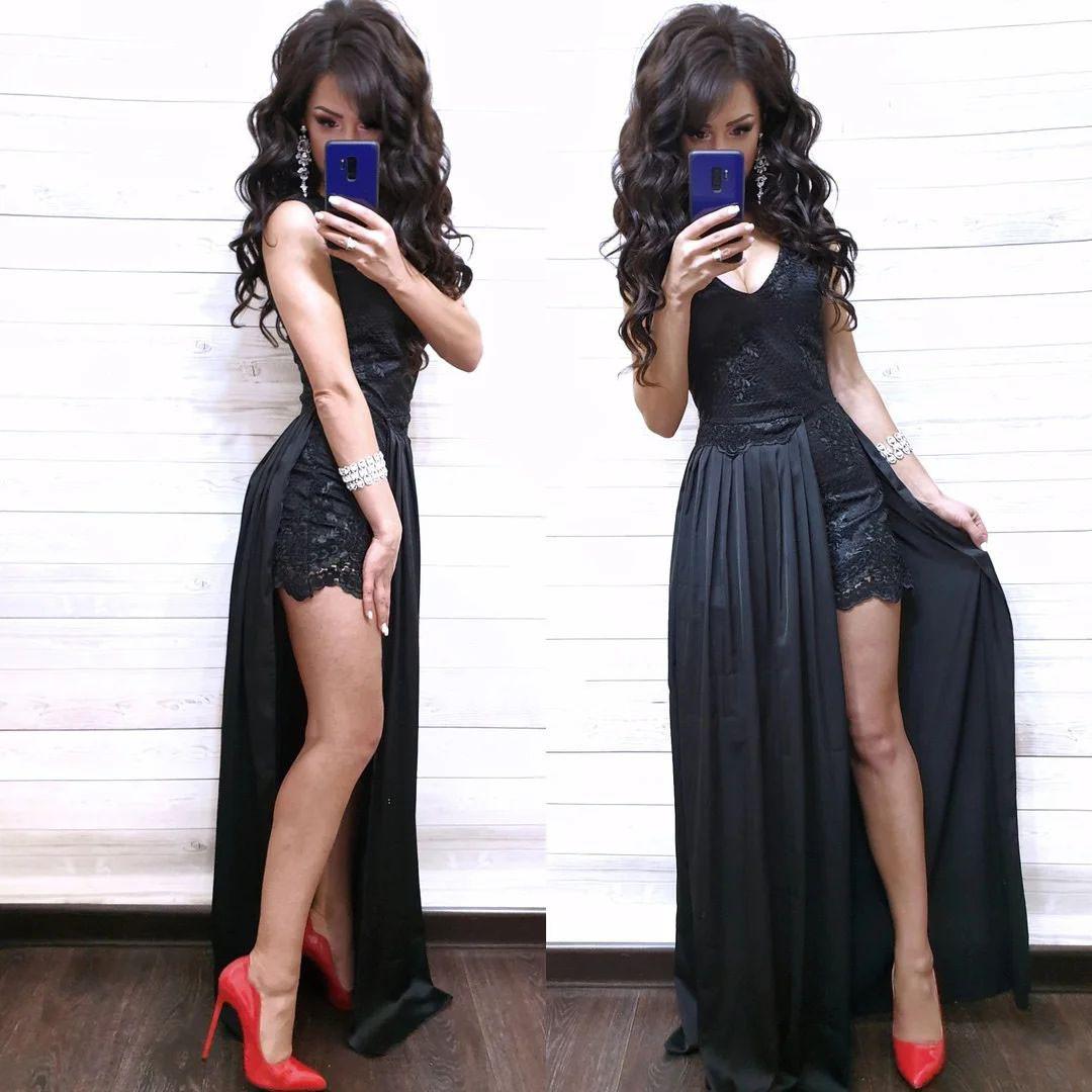 Нарядный комбинезон с шортами и имитацией платья из дорогого кружева