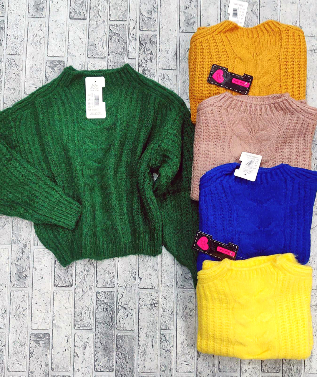 Красивый универсальный свитер вязаный 42-46 (в расцветках)