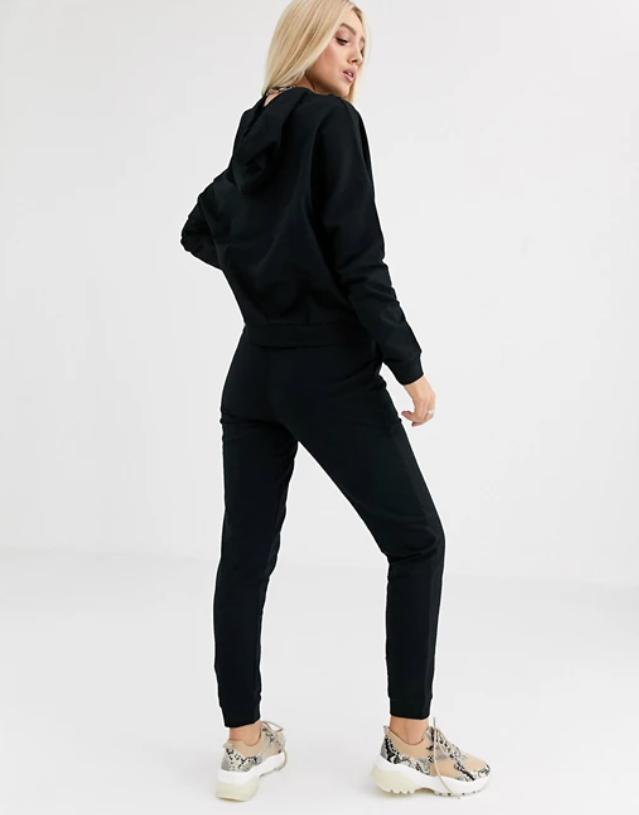 Женский спортивный костюм кенгуру черый
