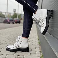 Женские ботинки Calvin Klein Women's Lark Cold-Weather Boots (белые) размер US 9 (26см) ОРИГИНАЛ